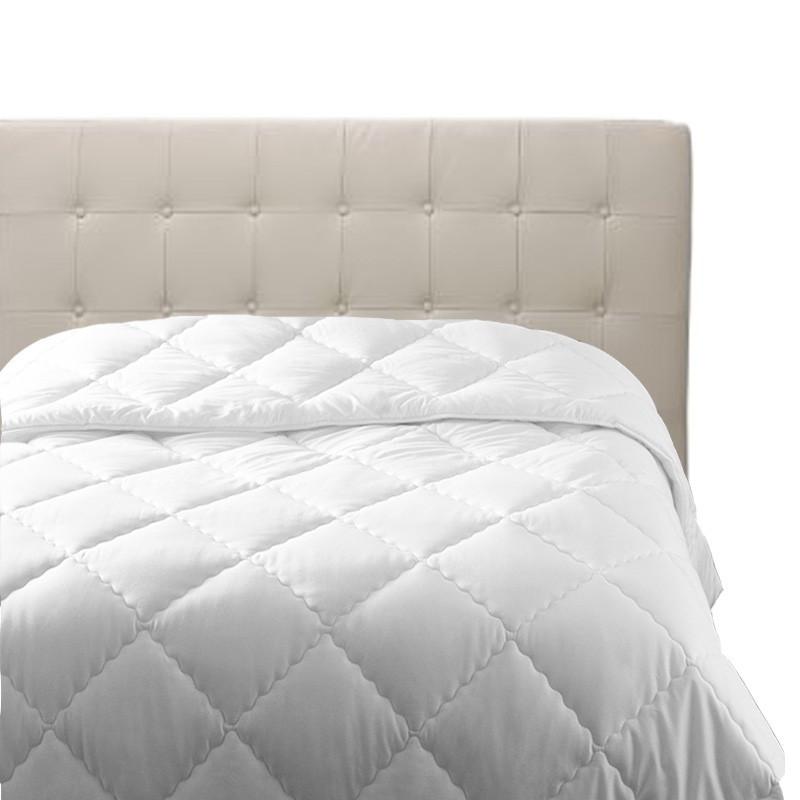 couette anti acariens la compagnie dumas sant. Black Bedroom Furniture Sets. Home Design Ideas