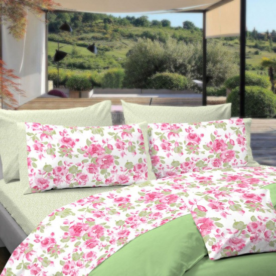 housse de couette avec des fleurs rose fushia. Black Bedroom Furniture Sets. Home Design Ideas