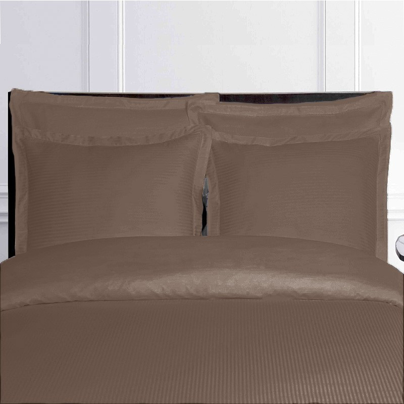 linge de lit taupe en satin. Black Bedroom Furniture Sets. Home Design Ideas