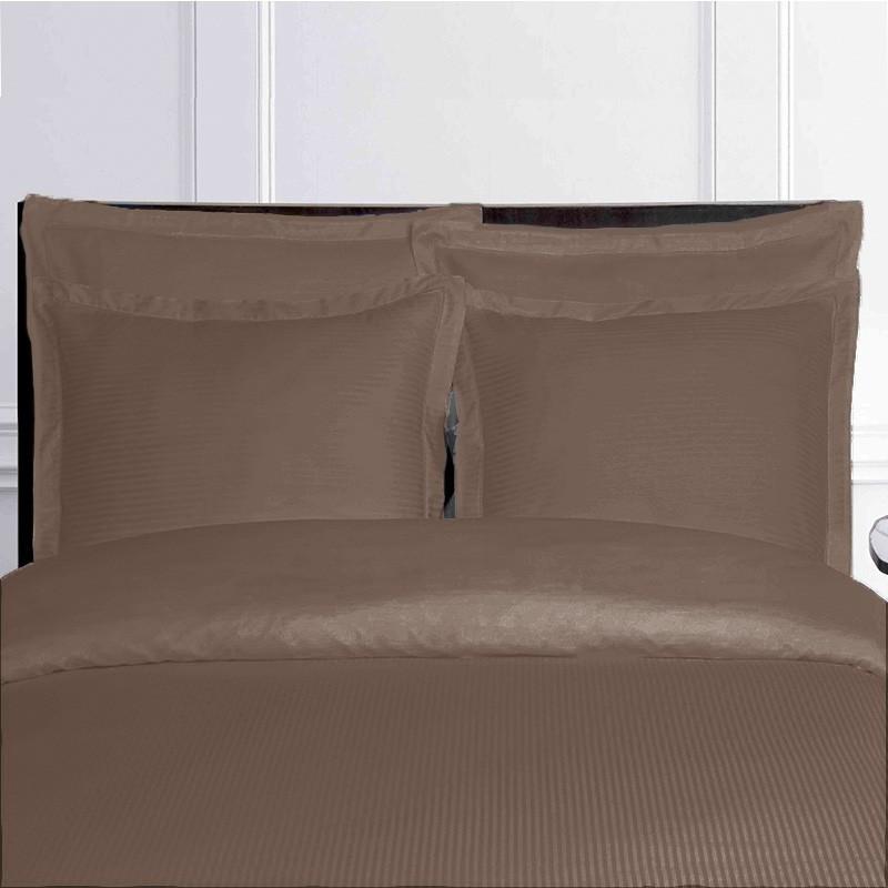 linge de lit taupe en satin. Black Bedroom Furniture Sets. Home Design Ideas