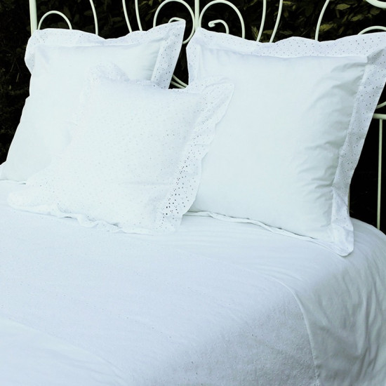 housse de couette broderie anglaise. Black Bedroom Furniture Sets. Home Design Ideas