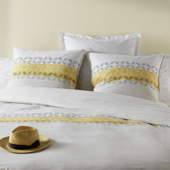 parure de couette c design sofia jaune. Black Bedroom Furniture Sets. Home Design Ideas