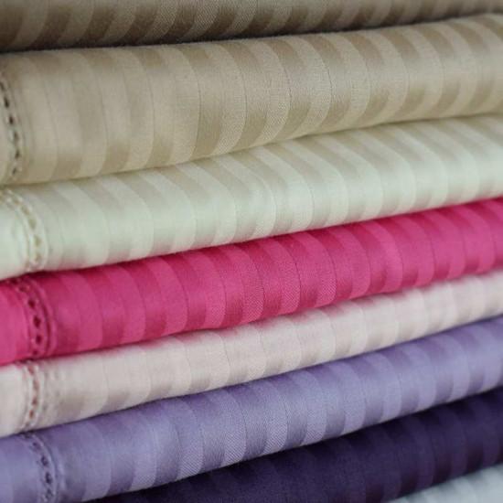 taie d 39 oreiller 65x65 satin de coton 120 fils cm2 fines rayures la compagnie du blanc. Black Bedroom Furniture Sets. Home Design Ideas