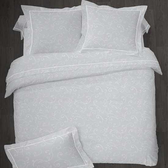 housse de couette volut percale 240x260 2 taies 65x65 la compagnie du blanc. Black Bedroom Furniture Sets. Home Design Ideas