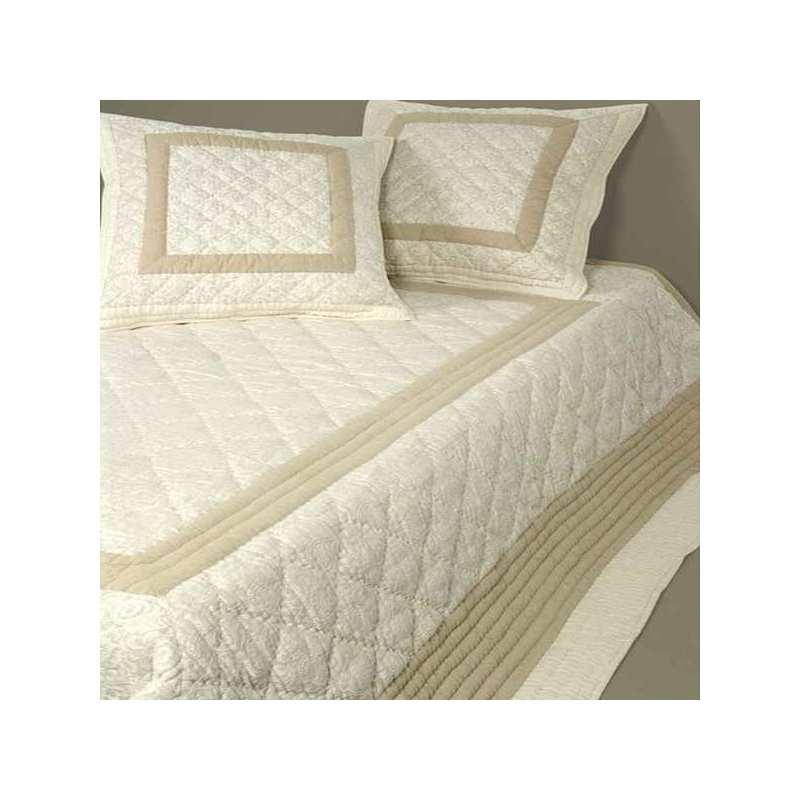 couvre lit boutis samarkand 240x260 2 taies 65x65 la compagnie du blanc. Black Bedroom Furniture Sets. Home Design Ideas