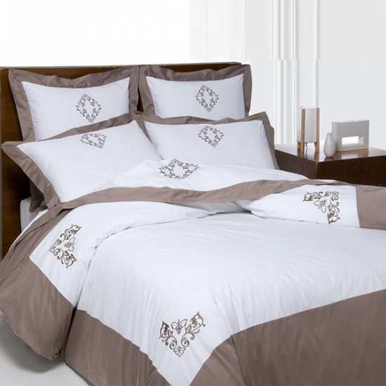 Housse de Couette Versailles Taupe 220x240 + 2 taies 65x65