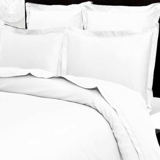 housse de couette 220x240 satin de coton prestige 240 fils cm2 blanc la compagnie du blanc. Black Bedroom Furniture Sets. Home Design Ideas