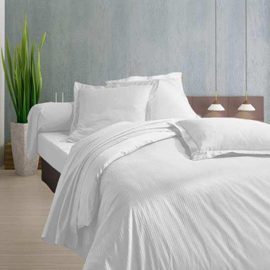 Housse de Couette 200x200 Satin 120 fils/cm2 Fines Rayures Blanc