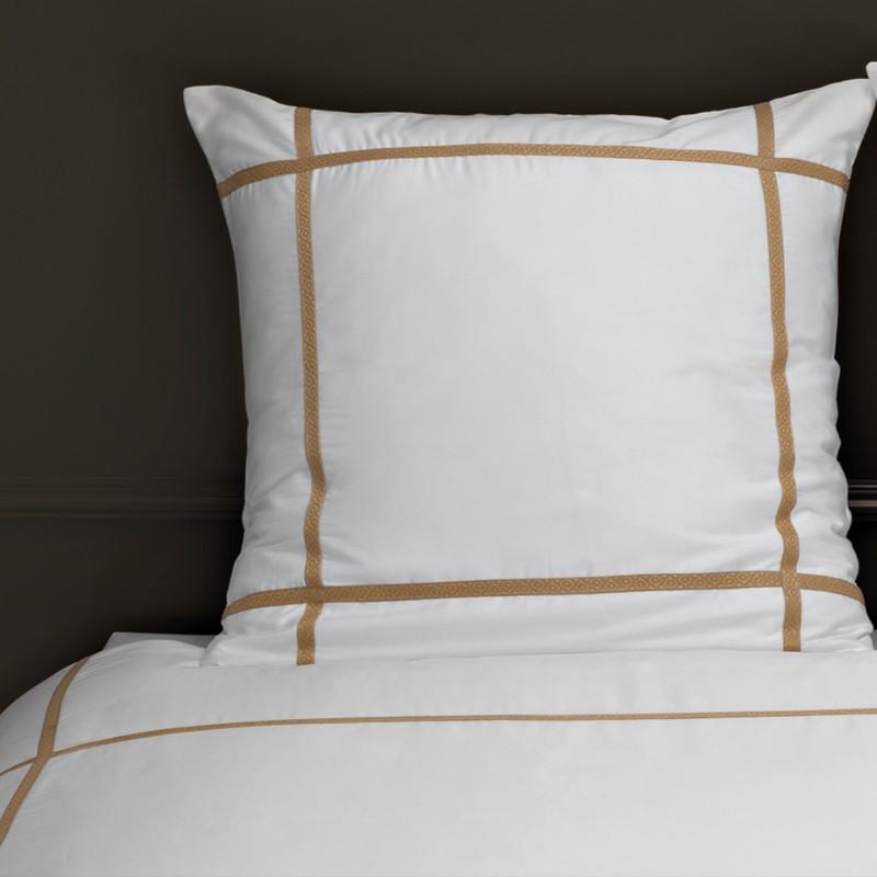 housse de couette brod e blanc et ficelle el gance. Black Bedroom Furniture Sets. Home Design Ideas