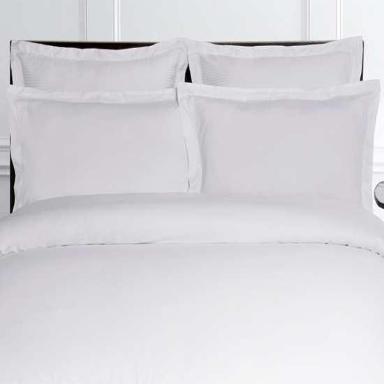 linge de lit satin de coton 120 fils cm2 la compagnie du blanc. Black Bedroom Furniture Sets. Home Design Ideas