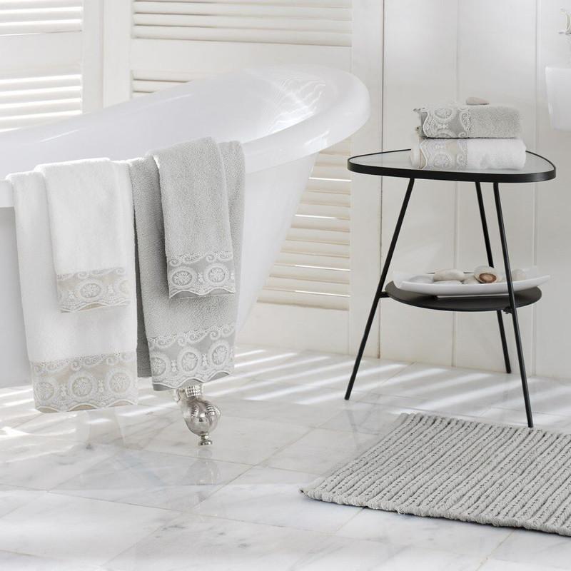 serviette de bain la compagnie du blanc. Black Bedroom Furniture Sets. Home Design Ideas